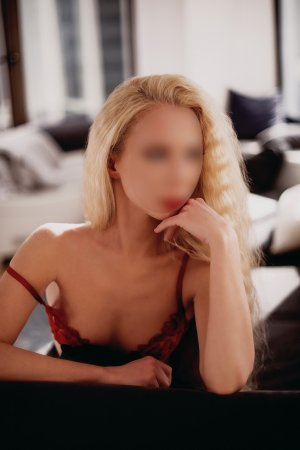 Mayssoune call girl & erotic massage