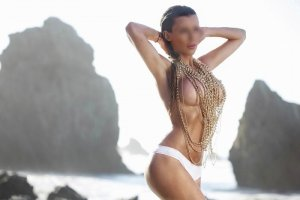 Jeannique live escort in Ellicott City and tantra massage