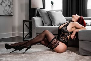 Christina-maria milf live escort in Bonney Lake WA and erotic massage